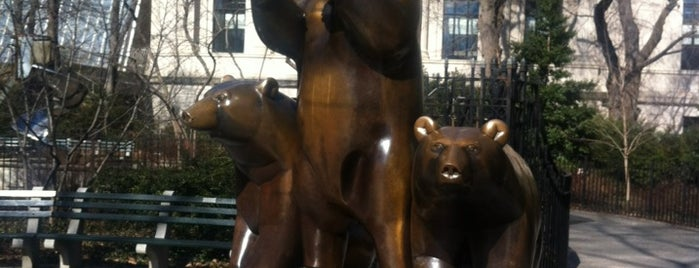 Central Park - Group of Bears is one of NY'ın En İyileri 🗽.