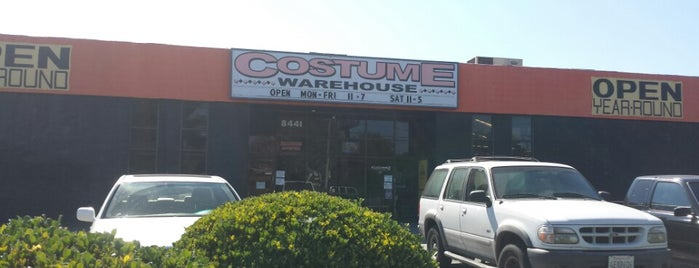Costume Warehouse is one of Jessica W.: сохраненные места.