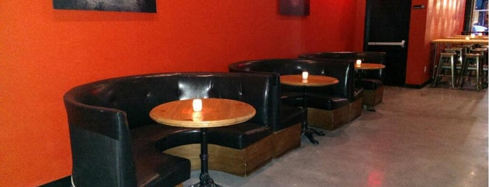 The SKINnY Bar & Lounge is one of Lieux qui ont plu à st.