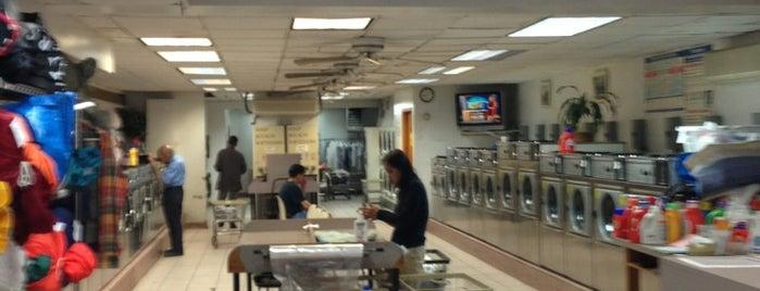 WR Laundromat is one of Joshさんのお気に入りスポット.