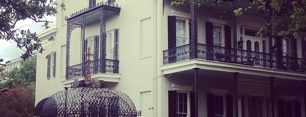 Garden District is one of New Orleans -.