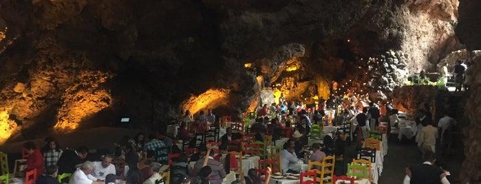 La Gruta Restaurant is one of Lugares favoritos de Alis.