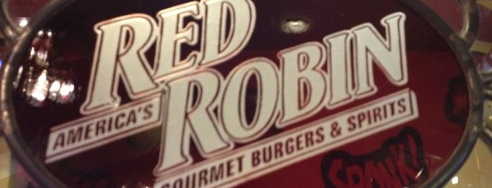 Red Robin Gourmet Burgers and Brews is one of Posti salvati di Sorora.
