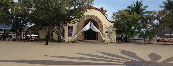 Capilla Santa Cruz is one of Tempat yang Disukai Julian.