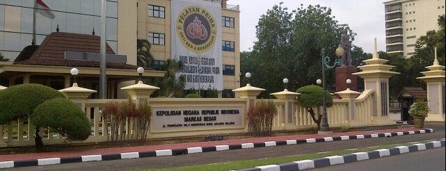Markas Besar Polisi Republik Indonesia (MABES POLRI) is one of Irwan Setiadi  님이 저장한 장소.