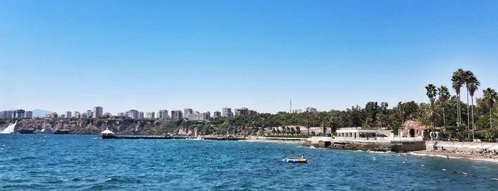 Karpuzkaldıran Kampı Side Plajı is one of Locais curtidos por Ilknur ★.