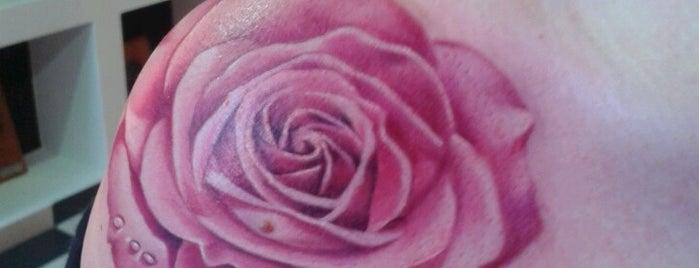 Dirty Roses is one of สถานที่ที่ Ελενη ถูกใจ.
