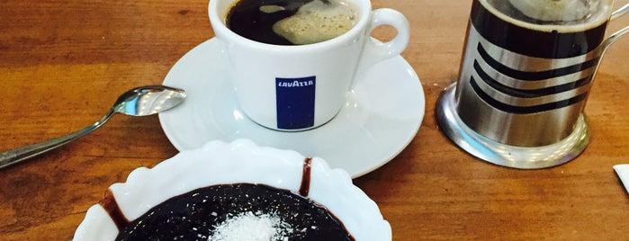 Cervantes Cafe&Bistro is one of Lugares favoritos de Hale.