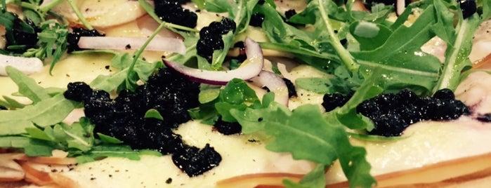 Skinny Pizza is one of Locais curtidos por Chuck.