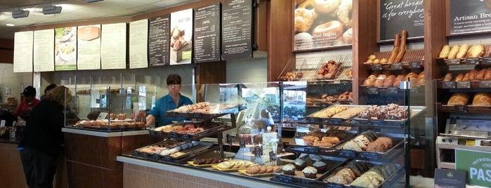 Panera Bread is one of Posti che sono piaciuti a Erika.