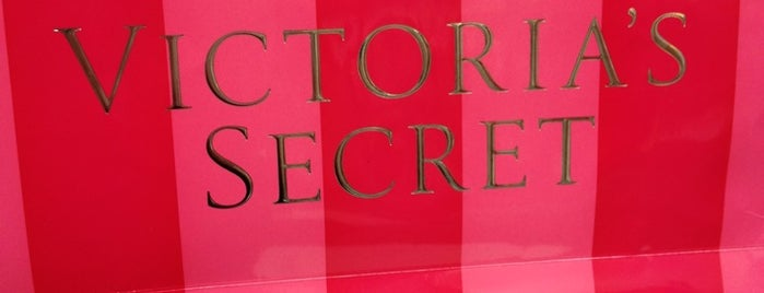 Victoria's Secret PINK is one of Tempat yang Disukai Blake.