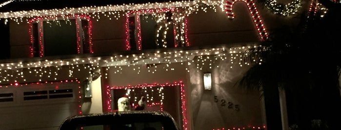 Candy Cane Lane is one of California Bucket List.
