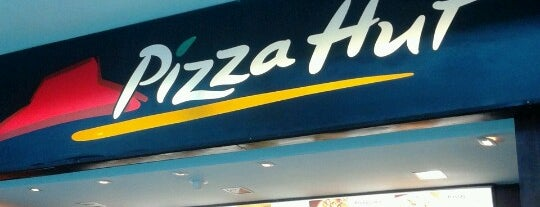 Pizza Hut is one of Orte, die Sara gefallen.