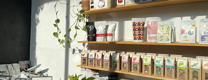 Kitchen Coffee Roasters is one of Locais curtidos por Liza.