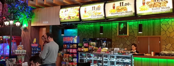 Korsan Cafe is one of Tempat yang Disukai Fatih.