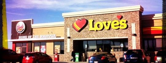 Love's Travel Stop is one of Tempat yang Disukai Jewels.