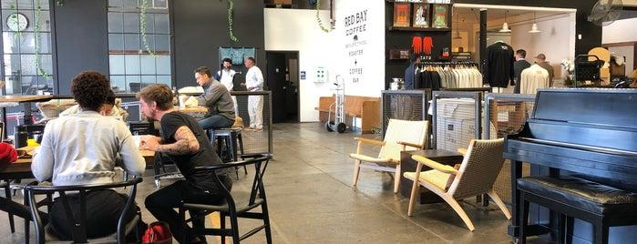 Red Bay Coffee is one of Tempat yang Disukai Bobbie.