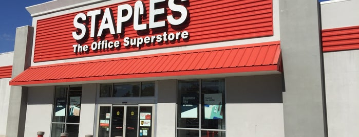 Staples is one of Lizさんのお気に入りスポット.