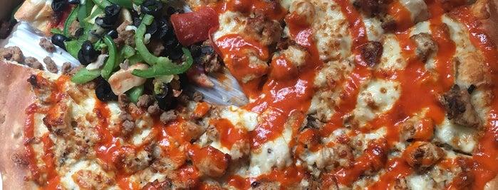 City View Pizza is one of Orte, die Sandy gefallen.