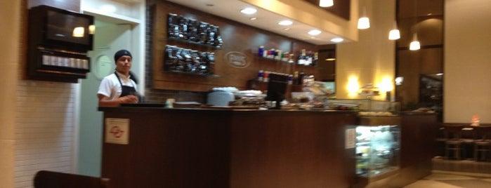 Fran's Café is one of Work spots in SP.