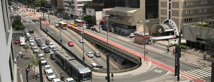 Região da Av Paulista is one of สถานที่ที่ Hugo ถูกใจ.