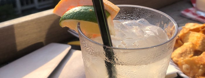 Crimson Diner + Whiskey Bar is one of John 님이 저장한 장소.