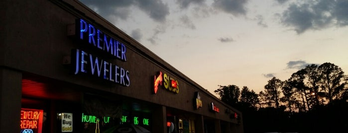 Premier Jewelers is one of Jacksonvilleさんのお気に入りスポット.