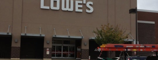 Lowe's Home Improvement is one of Locais curtidos por Christopher.