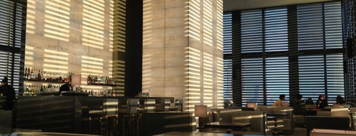 Armani Bamboo Bar is one of Locais curtidos por Henri.