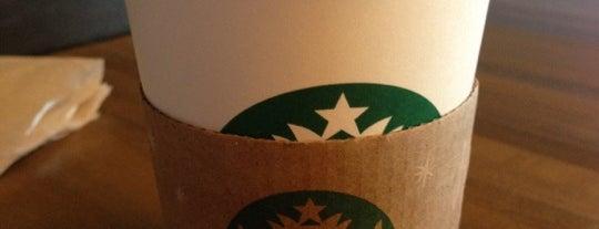 Starbucks is one of Lugares favoritos de Ryan.