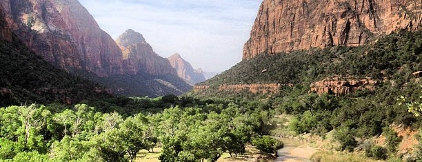 Zion National Park is one of Tempat yang Disukai Ebony.