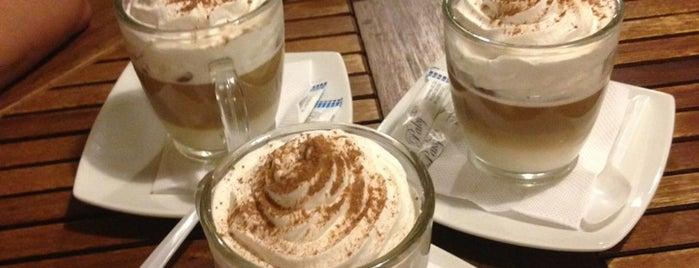 Kéik - Cupcakes, Smoothies & Coffee is one of Charly'ın Beğendiği Mekanlar.