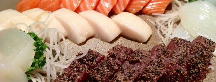 Koto Japanese Restaurant & Bar is one of สถานที่ที่ Sam ถูกใจ.