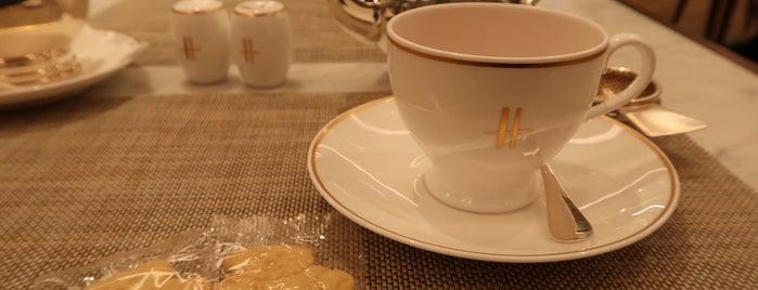 Harrods is one of Qatar 🇶🇦.