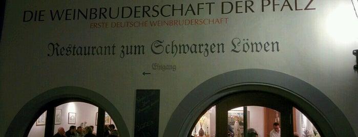 Restaurant Zum Schwarzen Löwen is one of Lieux qui ont plu à Marc.