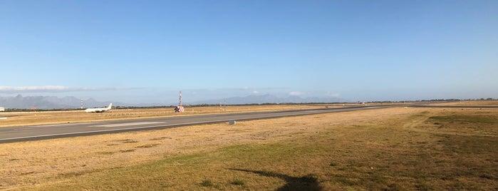 Runway 01/19 is one of Lieux sauvegardés par Dade.