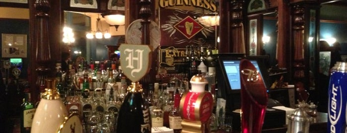 D'Arcy McGee's is one of Lugares favoritos de LJ.