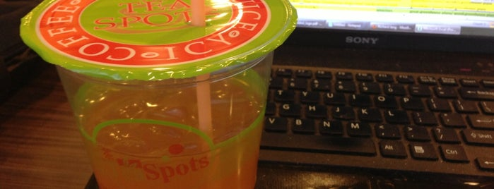 Tea Spots is one of สถานที่ที่ Andrew ถูกใจ.
