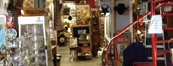 Country Collectibles is one of Tempat yang Disukai sugardaddie.com.