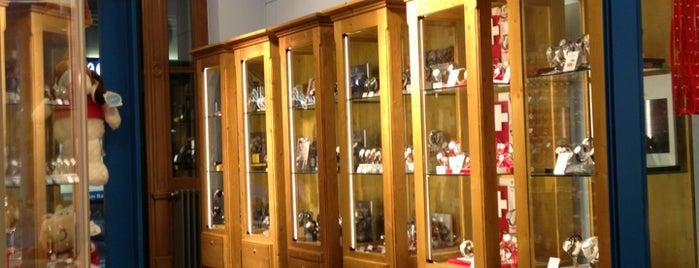 Edelweiss Shop is one of Tempat yang Disukai Marcelo.