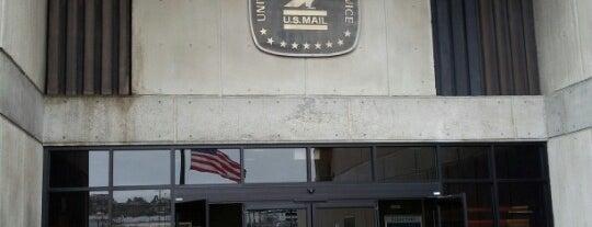 US Post Office is one of Jillana'nın Beğendiği Mekanlar.