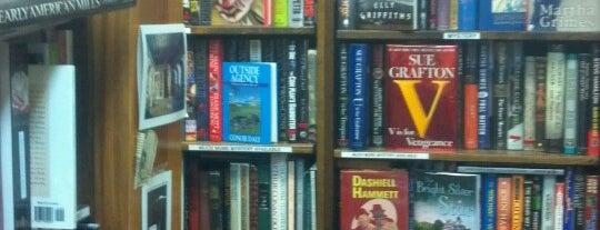Acorn Bookshop is one of Lieux qui ont plu à John.
