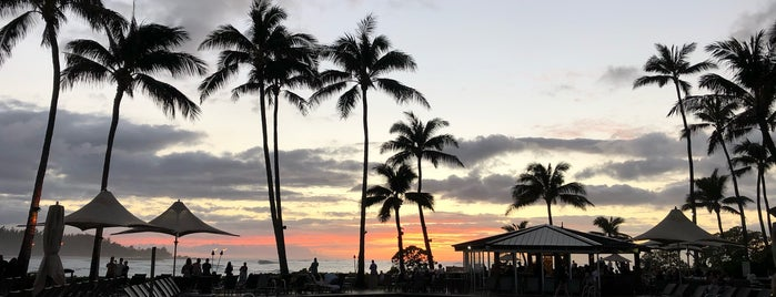 The Point Sunset and Pool Bar is one of Hawaii - Oahu.