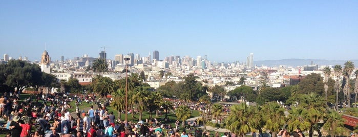 Mission Dolores Park is one of San Francisco to-do list.