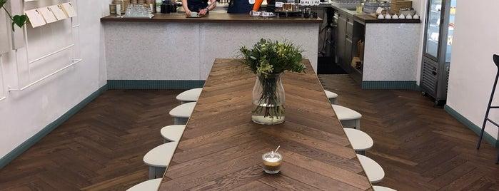 Pauseteria is one of Kde si pochutnáte na kávě doubleshot?.