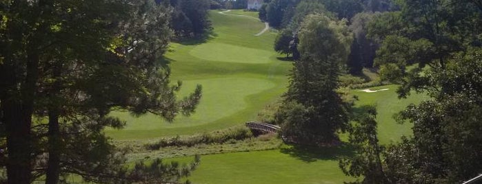 Thornhill Golf & Country Club is one of Nez: сохраненные места.