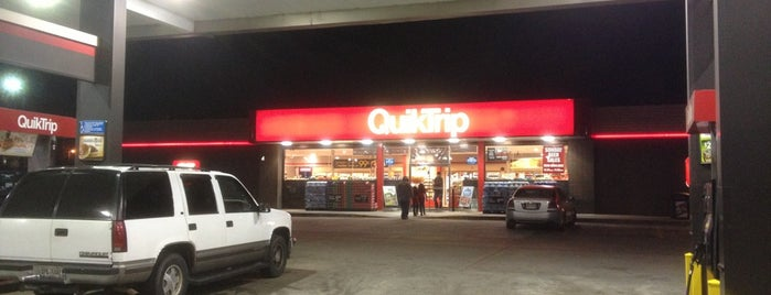 QuikTrip is one of Chris'in Beğendiği Mekanlar.