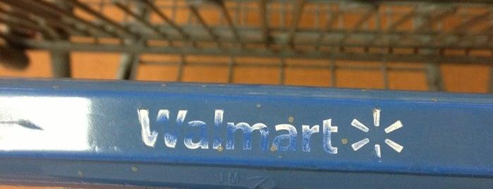 Walmart is one of Locais salvos de Alejandro.