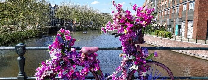Koekjesbrug (Brug 170) is one of Amsterdam.