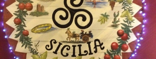 Famiglia Sicilia is one of Locais curtidos por Roza.